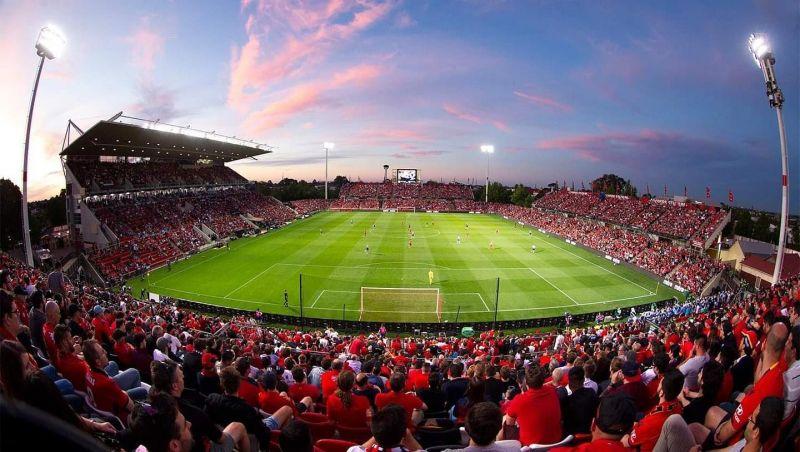 coopers-stadium-reds.thumb.jpg.7707535ada869d9faa1228923f4109c6.jpg